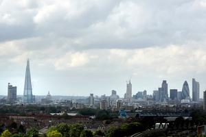 «Σκίζει» τον ουρανό του Λονδίνου