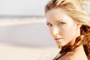 Ασφαλές μακιγιάζ τους καλοκαιρινούς μήνες