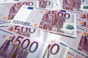 Στα 979,5 ευρώ ο μέσος φόρος για 1 εκατομμύριο φορολογουμένους