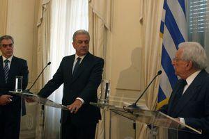 «Εθνικό μέτωπο» ζήτησε ο Δημήτρης Αβραμόπουλος