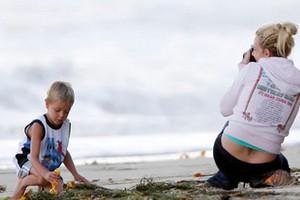 Στην παραλία με το γιο της η Μπρίτνεϊ