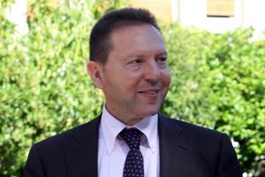 «Ένθερμος υποστηρικτής της παραμονής στο ευρώ»