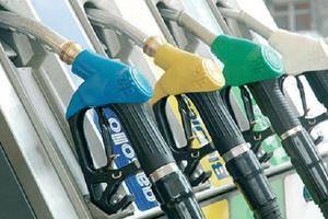 Χειροπέδες για φοροπαραβάσεις σε βενζινάδικο