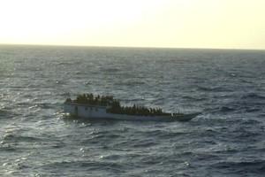 Σκάφος με λαθρομετανάστες εντοπίστηκε στα ανοιχτά της Πύλου