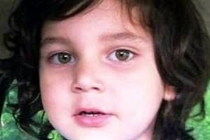 Tετράχρονο παιδί βρέθηκε θαμμένο μέσα σε πάτωμα