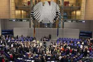 Μοιρασμένοι οι Γερμανοί για το τρίτο πακέτο βοήθειας προς την Ελλάδα