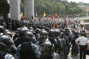 Οι ΗΠΑ καταδικάζουν τη βία κατά των διαδηλωτών στην Ουκρανία
