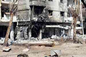 Με άρματα μάχης επιτίθενται οι σύροι εξεγερμένοι