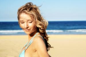 Καλοκαιρινή προστασία για τα μαλλιά σας μόνο