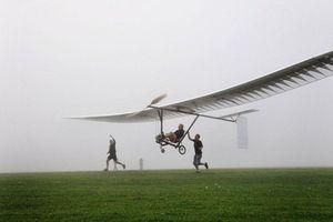 Απογειώθηκε επιτυχώς το πρώτο πενταλοκίνητο αεροπλάνο