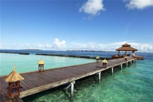 Περιβαλλοντικό φόρο στους τουρίστες σκέφτονται στις Μαλδίβες