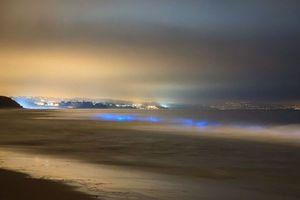 Τα «φωτεινά» κύματα της Καλιφόρνια
