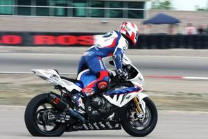Αλλαγή ρότας της BMW στα Superbike