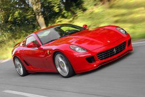 Αφήνουν ενέχυρα Ferrari, Lamborghini και Cayenne!
