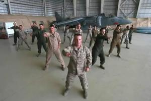 Ιδού ο τρομακτικός αμερικανικός στρατός!