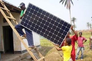 Ηλιακός ραδιοφωνικός σταθμός στηρίζει απομονωμένες κοινότητες
