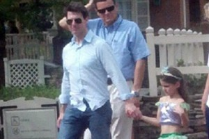 Στην Disneyland με την κόρη του ο Tom Cruise