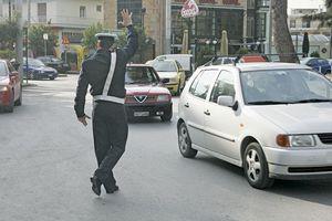 Η τροχαία μοίρασε 273 κλήσεις για παράνομο παρκάρισμα
