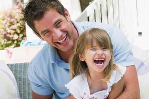 Το μεγάλωμα των παιδιών κάνει τον ανδρικό εγκέφαλο πιο «μητρικό»
