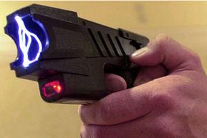 «Απάνθρωπη και εξευτελιστική η χρήση ηλεκτροσοκ κατά τη διάρκεια αστυνομικής έρευνας»