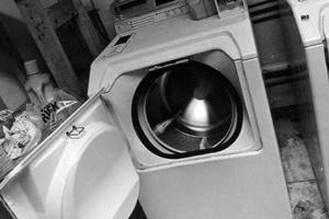 Πώς να φτιάξετε εύκολα τις δικές σας χρωμοπαγίδες για το πλυντήριο