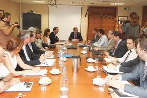 Ολοκληρώθηκε η σύσκεψη στο υπουργείο Οικονομικών
