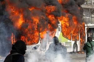 Φρικτός θάνατος για 52 ανθρώπους μέσα σε φλεγόμενο λεωφορείο