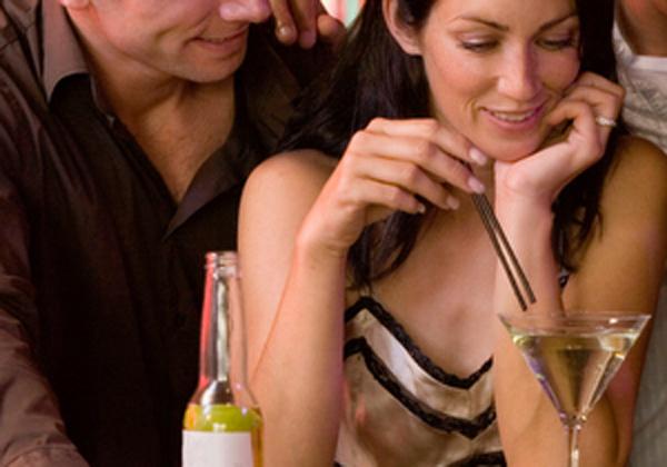 ΔΕΙΤΕ: Τι προσέχουν οι γυναίκες στο φίλο της... φίλης τους