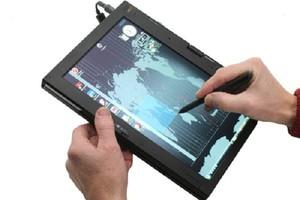 Η Lenovo δεν προβληματίζεται για τα tablet της Microsoft