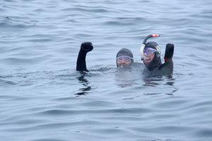 Ακρωτηριασμένος άνδρας διέσχισε κολυμπώντας τον Βερίγγειο Πορθμό