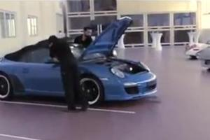 «Βόλτα» στο μουσείο της Porsche
