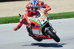 Δείτε το highside του Nicky Hayden και γιατί θα χάσει τον αγώνα στο Brno