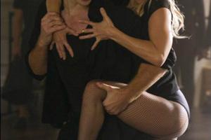 Σέξι χορεύτρια η Kate Hudson