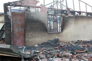 Μεγάλη μάχη έδωσαν οι πυροσβέστες στην Ασπροβάλτα