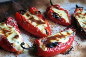 Γεμιστές πιπεριές με φέτα
