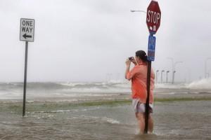 Έπληξε τη Λουιζιάνα ο τυφώνας «Ισαάκ»