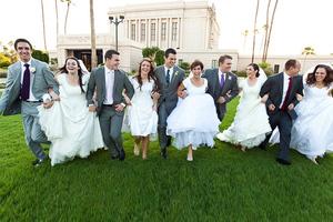 Πέντε αδέλφια παντρεύτηκαν την ίδια μέρα!