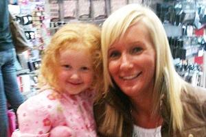 Μαχαίρωσε την 4χρονη κόρη της μέχρι θανάτου