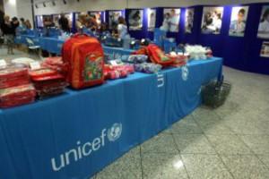 Bazaar της UNICEF στο μετρό Συντάγματος
