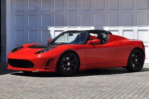 Σκέψεις της Tesla για ηλεκτρικό supercar