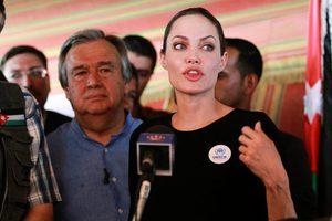 Τέλος στην ατιμωρησία των βιαστών ζητά η Αντζελίνα Τζολί
