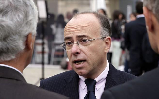Καζνέβ για Λε Πεν: Προσπαθεί να εκμεταλλευτεί την χθεσινή επίθεση