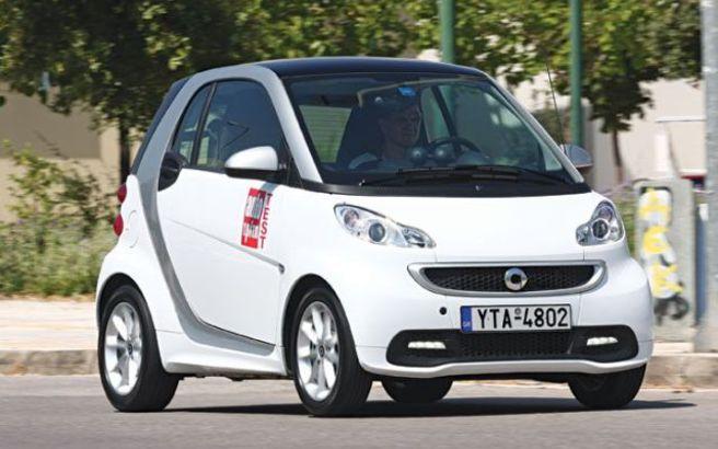 Ανακαλούνται οχήματα Smart fortwo και Nissan Tiida