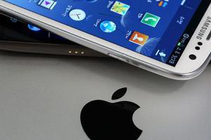 Η Samsung ετοιμάζεται να κινηθεί νομικά εναντίον της Apple
