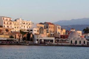 Νέες θέσεις πάρκινγκ στο παλιό λιμάνι Χανίων