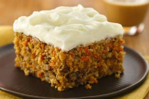 Κέικ καρότο με λευκό γλάσο