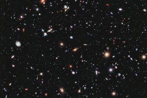 Τραβήχτηκε η μακρινότερη φωτογραφία του σύμπαντος!