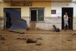 Νεκρούς άφησαν πίσω τους οι βροχές στην Ισπανία