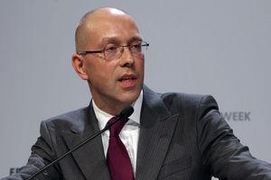 Ο επίτροπος της Ε.Ε. πρέπει να μπορεί να απορρίπτει εθνικούς προϋπολογισμούς