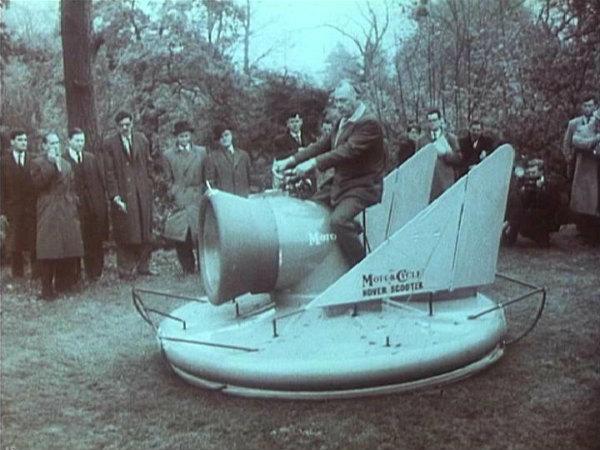 Το περίφημο Hover Scooter του 1960 Scoo001